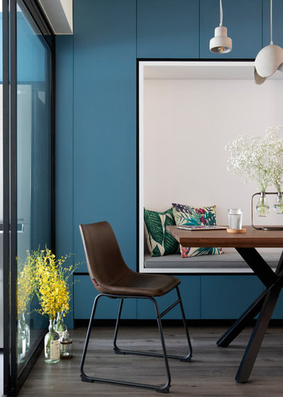 Contemporary Dining Room by SYNC INTERIOR PTE. LTD.