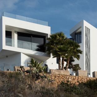Неиссякаемый источник вдохновения для домашнего уюта: дом в стиле модернизм