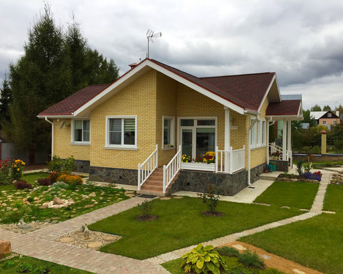 Дом желтого цвета