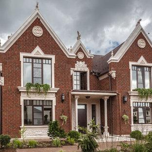 Выдающиеся фото от архитекторов и дизайнеров интерьера: фасад дома в викторианском стиле