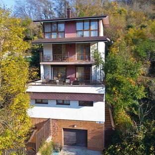 Свежая идея для дизайна: трехэтажный, белый частный загородный дом в стиле современная классика с комбинированной облицовкой, двускатной крышей и крышей из гибкой черепицы - отличное фото интерьера