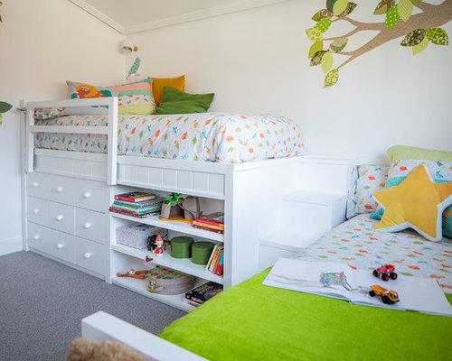 kinderzimmer mit teppichboden und wei er wandfarbe ideen. Black Bedroom Furniture Sets. Home Design Ideas