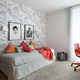 Modelo de dormitorio infantil bohemio, de tamaño medio, con paredes grises