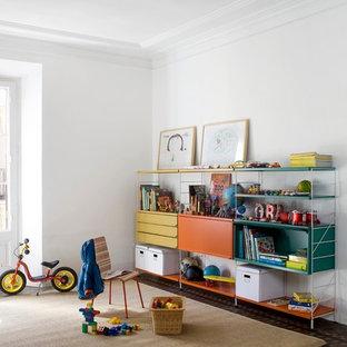 Idées déco pour une chambre d'enfant de 1 à 3 ans scandinave de taille moyenne avec un mur blanc et un sol en carrelage de céramique.