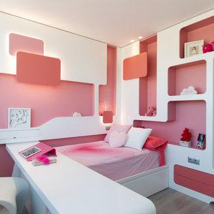Foto de dormitorio infantil de 4 a 10 años, contemporáneo, con paredes blancas y suelo gris