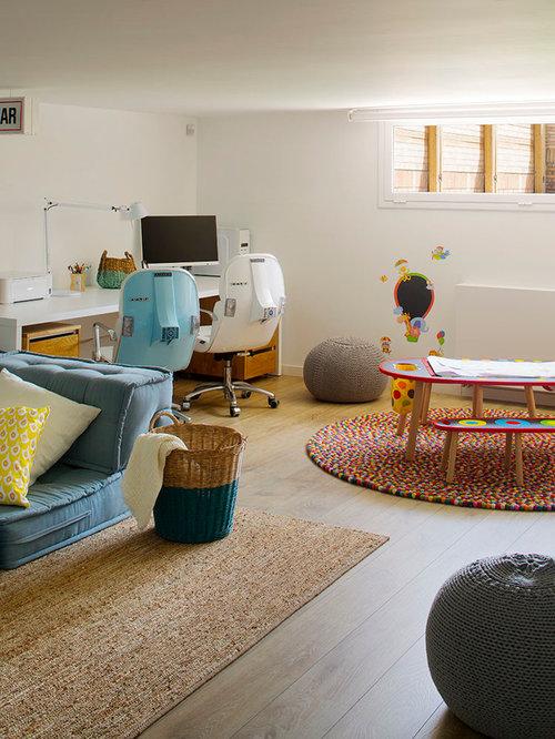 ejemplo de dormitorio infantil de a aos mediterrneo grande con paredes