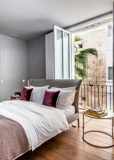 Contemporary Bedroom by Lilia Koutsoukou fotografía