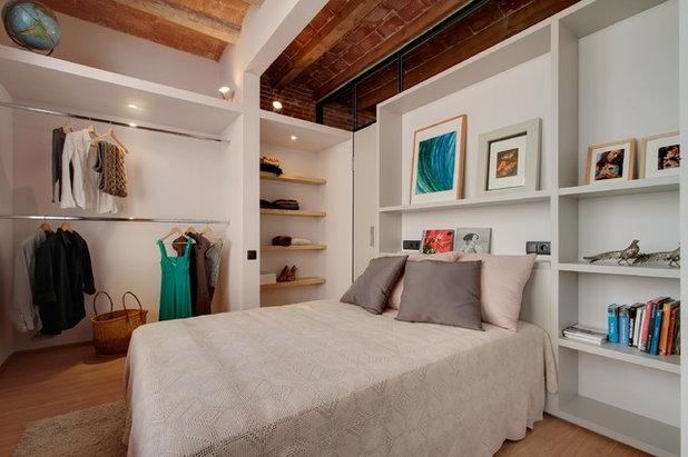 Clásico renovado Dormitorio by Lara Pujol  |  Interiorisme & Projectes de Disseny