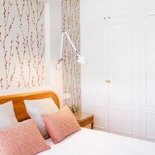 他の地域の中サイズの地中海スタイルのおしゃれな寝室のインテリア