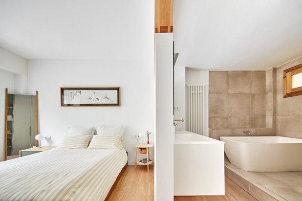 Scandinavian Bedroom by TheHallStudio & Manu Pagés Arquitectura