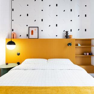 Bild på ett mellanstort nordiskt sovrum