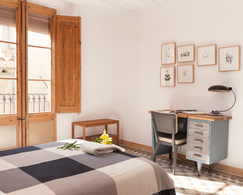 Mediterranean bedroom design ideas renovations photos for Master interiorismo valencia