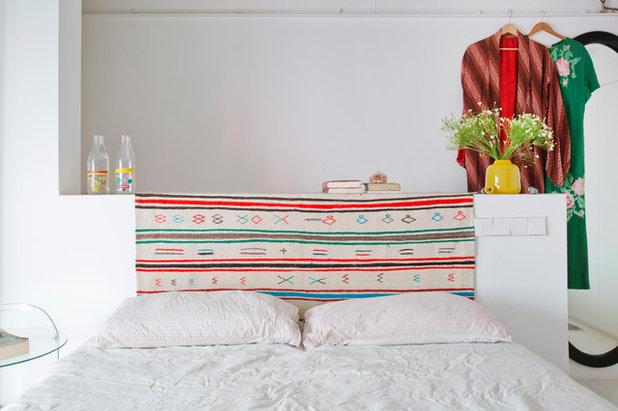 コンテンポラリー 寝室 by Bluetomatophotos