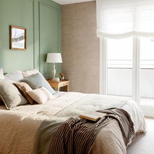 Modelo de dormitorio principal, clásico renovado, con paredes verdes