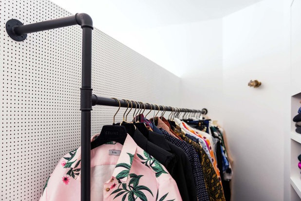 Contemporary Wardrobe by Studio LVA