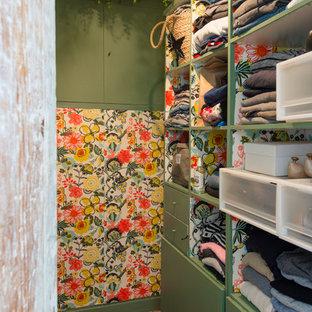 Aménagement d'un armoire et dressing.