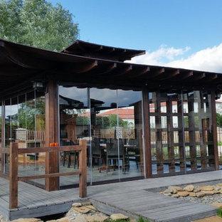 Свежая идея для дизайна: дворик в восточном стиле - отличное фото интерьера