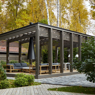 Contemporary patio in Moscow.