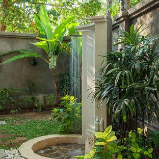 Неиссякаемый источник вдохновения для домашнего уюта: летний душ в морском стиле без защиты от солнца