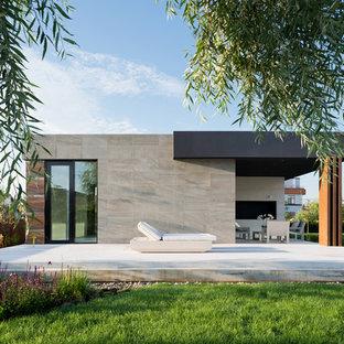 Свежая идея для дизайна: дворик среднего размера в стиле модернизм - отличное фото интерьера