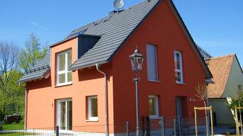 Ansicht mit Hauseingang nach der Modernisierung