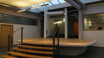 Bürobeleuchtung - Atrium mit Bühne