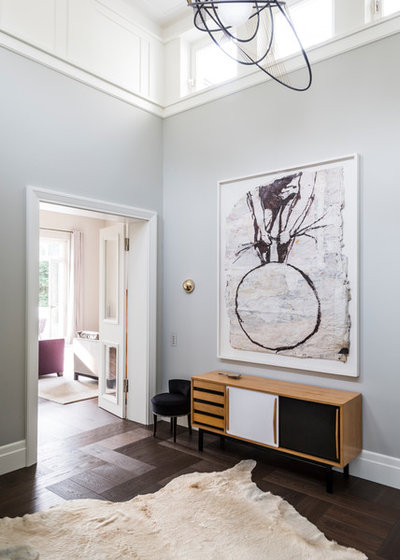 Modern Eingang by Lange Geller Kuehl Interiors