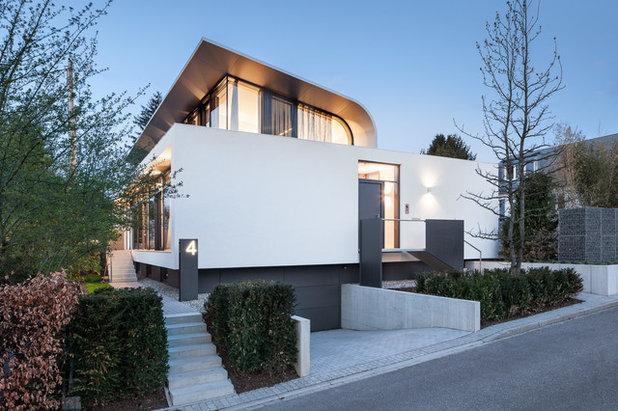 Modern Eingang by Daniel Vieser . Architekturfotografie