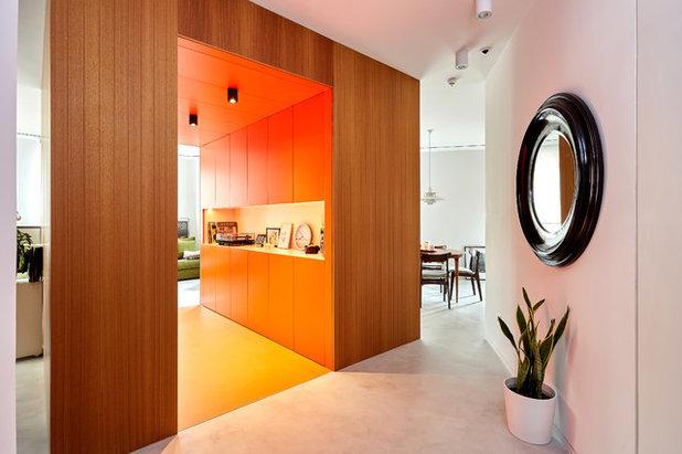 Moderno Entrada by La Reina Obrera - Arquitectura e Interiorismo