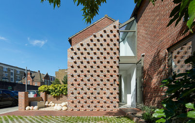 UK Houzz Tour: A Dated 1980s Home Gets a Very Unusual Extension