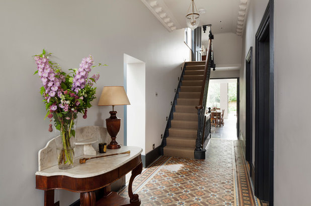 Traditional Hallway & Landing by FT Architects Ltd