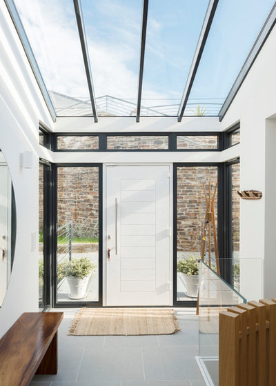 Contemporary Entry by Laurence Associates