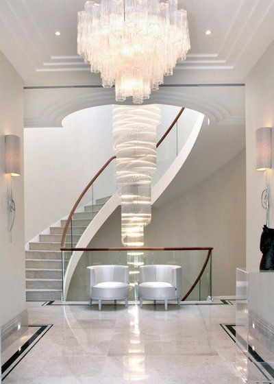 Contemporary Entrance by The L&C Company