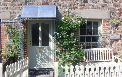 Lessons in Small-Garden Design From 11 English Entryways