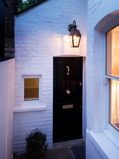 Entrance by Brosh Architects