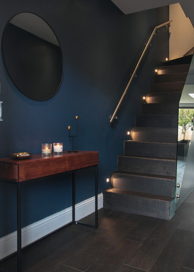 Contemporary Entrance by Yoko Kloeden Design