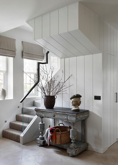 Transitional Entry by Studio Duggan Ltd