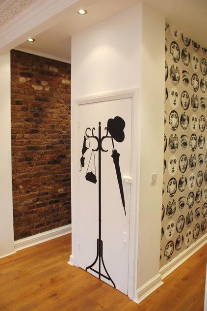 Eclectic Entry by Avocado Sweets Interior Design Studio