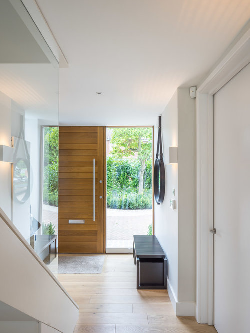 Front entrance hallway home design ideas pictures for Modern entrance hall ideas