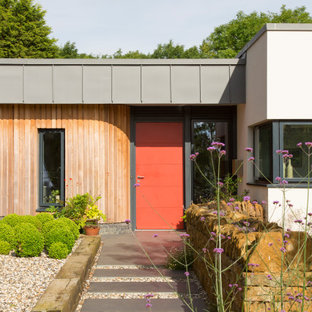 This is an example of a contemporary entrance in West Midlands.