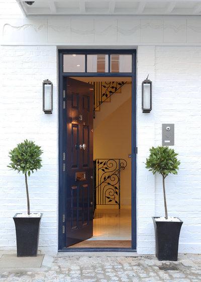 Modern Entry by Mark Nicholas Design Ltd
