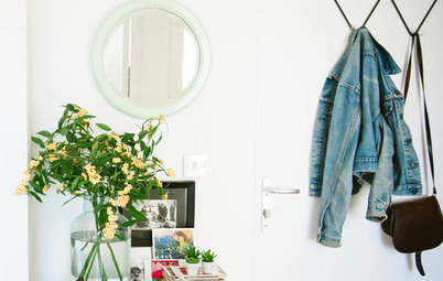 Entrance Extra: 7 Ways to Keep Your Small Hallway Clutter-Free