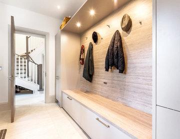 Neutral Cloak Room