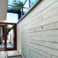 Modern Entry by PAD studio