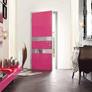 エセックスのコンテンポラリースタイルのおしゃれな玄関の写真