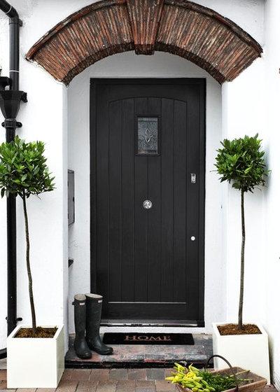 Contemporary Entrance by Bailey London Interior Design & Build