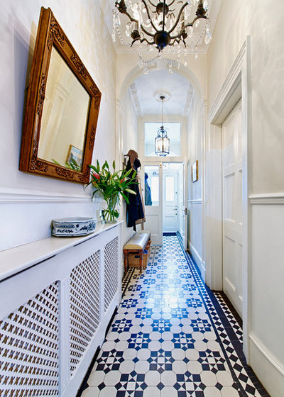 Traditional Entrance by Mia Karlsson Interior Design
