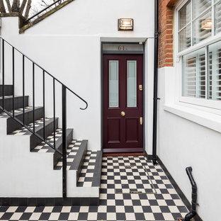 Mittelgroße Klassische Haustür mit Einzeltür und lila Tür in London