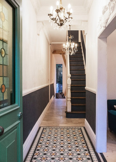 Victorian Entry by Ecospheric