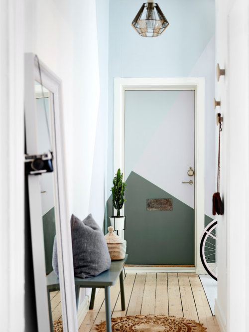 Best Scandinavian Entryway Design Ideas & Remodel Pictures | Houzz